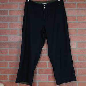 Columbia GRT Black Capri Pants 10